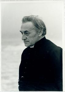 Cyriel Verschaeve aan het strand van Knokke, 1937 [BE ADVN VFAL 33]