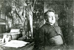 Cyriel Verschaeve in zijn studeerkamer, 1919 [BE ADVN VFAL 211]